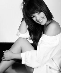 Nela Lee moderiert Nackt-Dating-Show