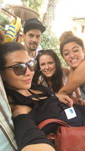 Monique Simon mit Patrick Keil, Elisabete Mendes und Meri Voskanian in Dubai